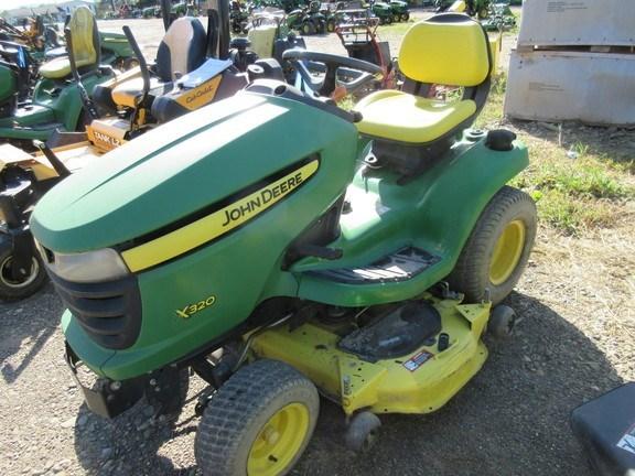 2009 John Deere X320 Lawn Mower For Sale