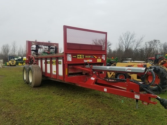 2018 H & S HPV4142 Manure Spreader-Dry/Pull Type For Sale
