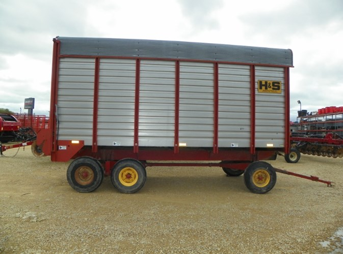 1996 H & S Power Box  Forage Box For Sale