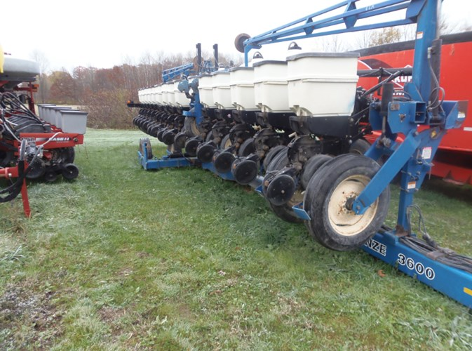 2014 Kinze 3600 16 ROW Planter For Sale
