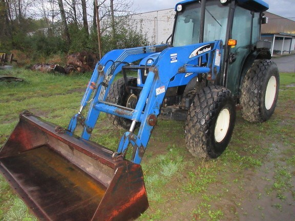 2004 New Holland TN75S Tractor For Sale