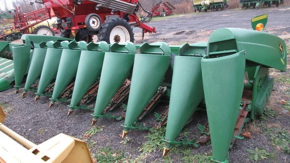 2006 John Deere 893 Combine Header-Corn For Sale