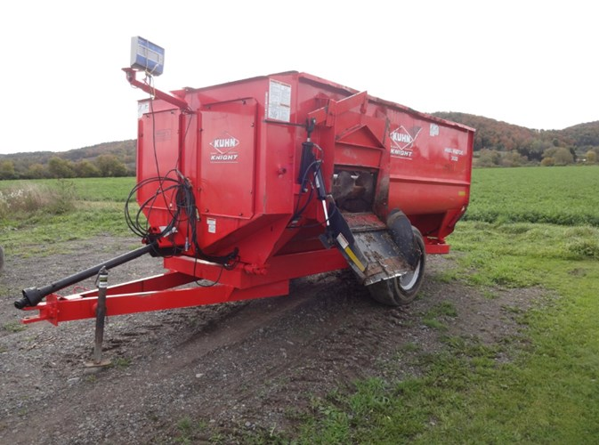 2014 Kuhn Knight 3130T TMR Mixer For Sale