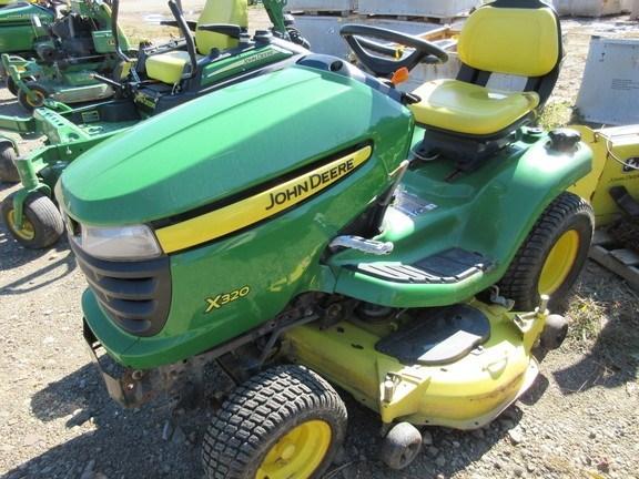 2006 John Deere X320 Lawn Mower For Sale