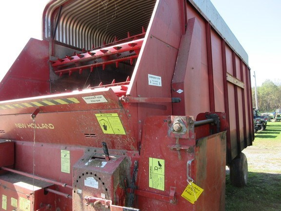 1995 New Holland 816 Forage Blower For Sale