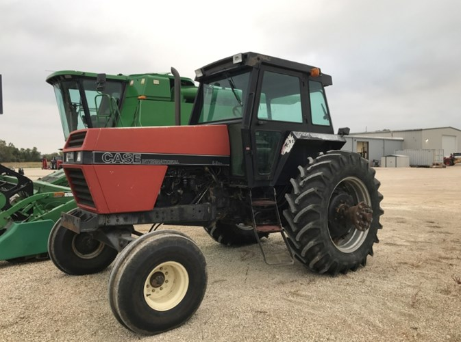 1989 Case IH 2096 Tractor For Sale