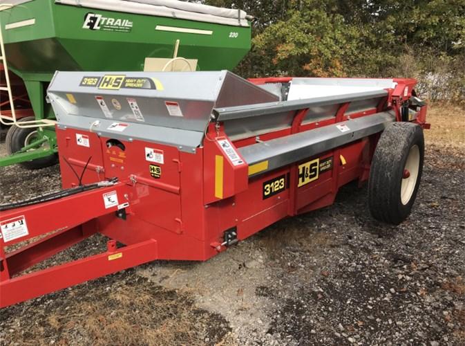 2019 H & S 3123 Manure Spreader-Dry For Sale