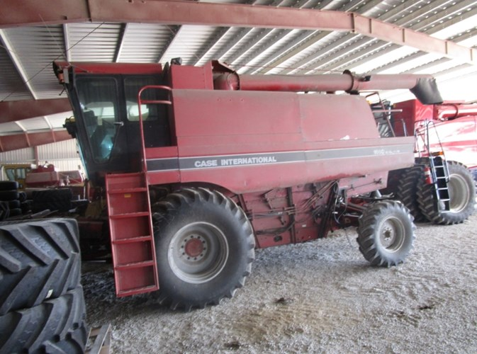 1990 Case IH 1660 Combine For Sale