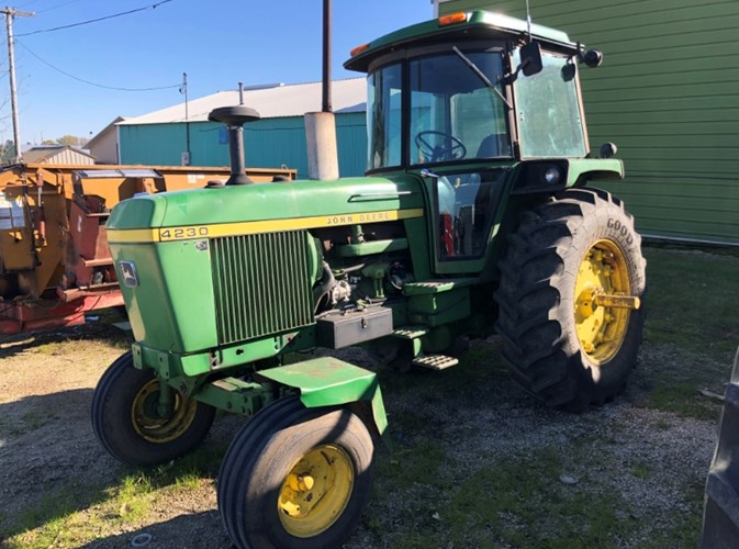 1977 John Deere 4230 Tractor For Sale