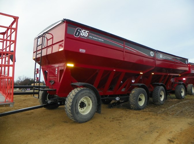 2017 J&M Manufacturing Co. Inc 655SD Gravity Box For Sale