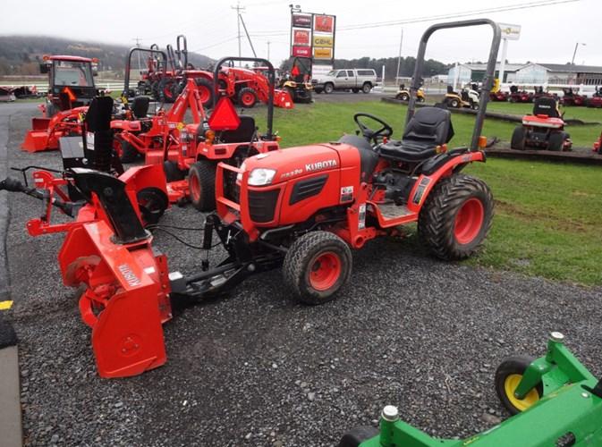 2008 Kubota B2320HSD Tractor - Compact For Sale