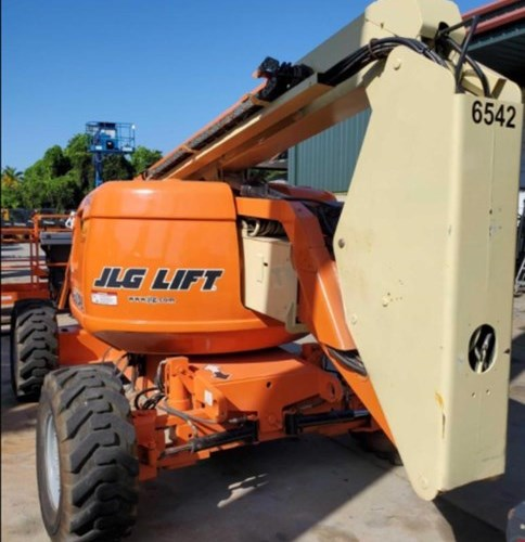 JLG 600AJ Boom Lift For Sale
