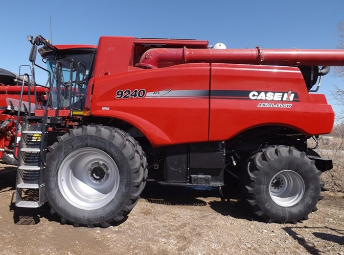 2016 Case IH 9240 Combine For Sale