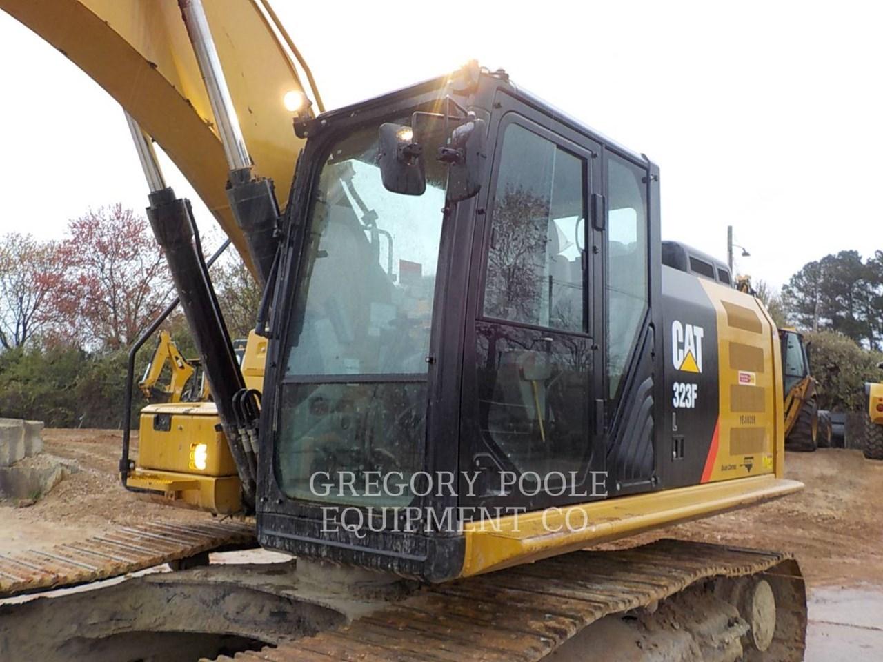 2017 Caterpillar 323F L Image 2
