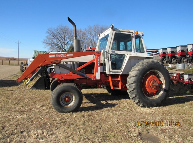 1977 Case 1270 Tractor For Sale