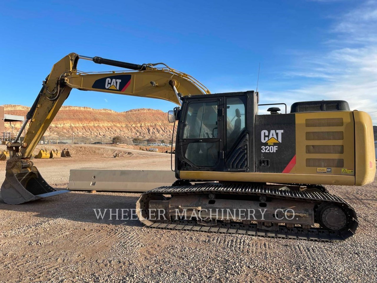 2017 Caterpillar 320F L Image 6