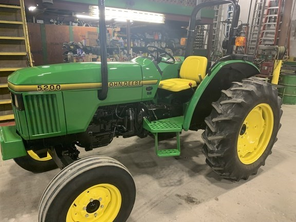 1995 John Deere 5200 Tractor - Utility For Sale