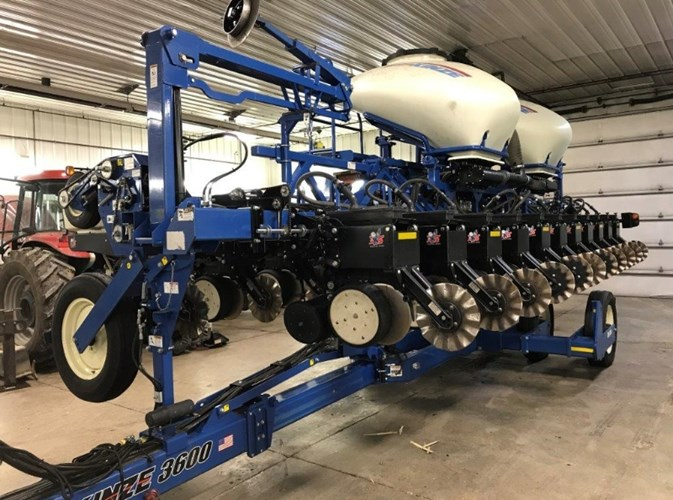 2015 Kinze 3600 Planter For Sale