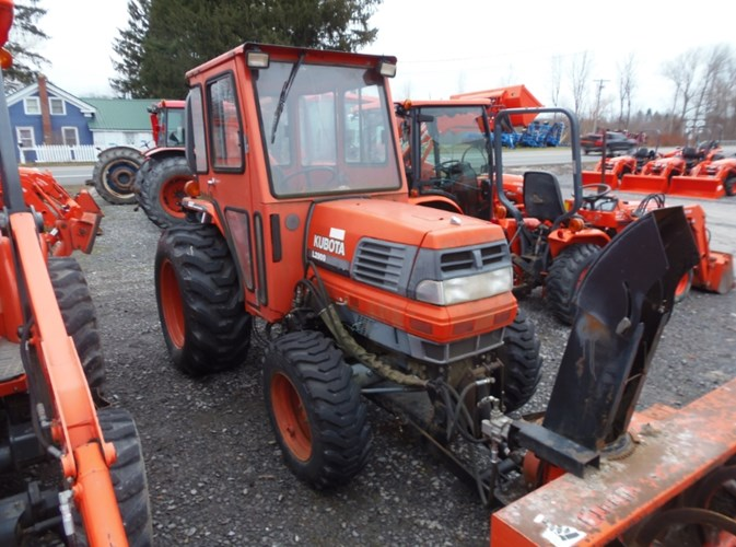 Kubota L2900 Tractor - Compact For Sale