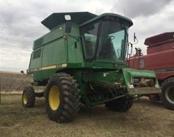 Combine For Sale: 1995 John Deere 9400