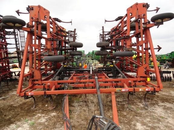 2003 Case IH 200 Field Cultivator For Sale