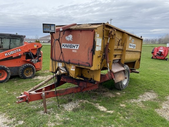 1999 Kuhn Knight 3300 Grinder Mixer For Sale