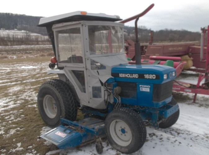 1997 New Holland 1620 Tractor - 4WD For Sale