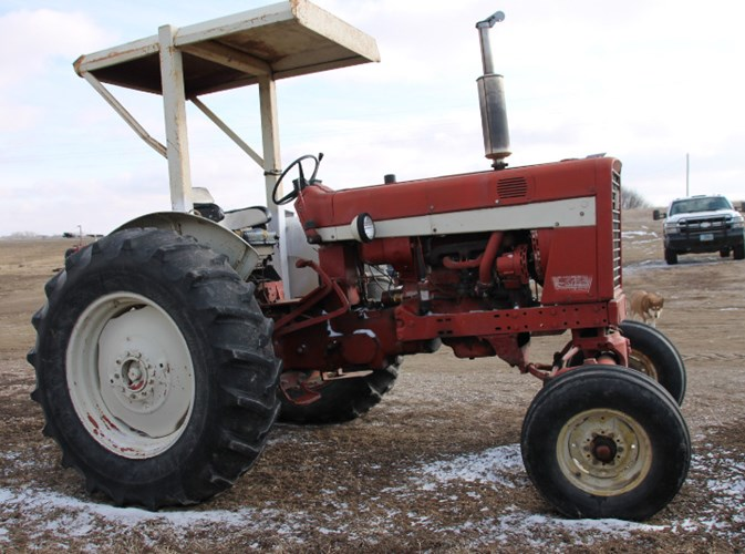International 544 Tractor For Sale