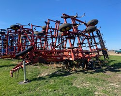 Field Cultivator For Sale: 2004 Sunflower 5035-28