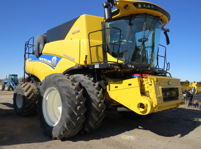 2018 New Holland CR8.90 Combine For Sale