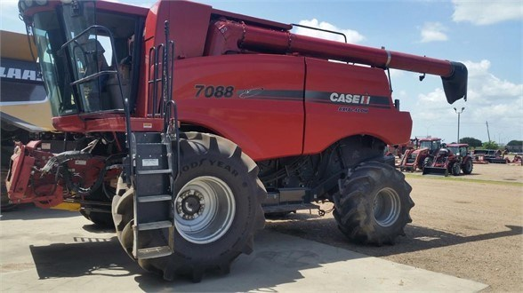 2009 Case IH 7088 Combine For Sale