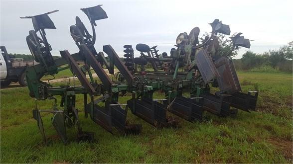 John Deere 886 Row Crop Cultivator For Sale