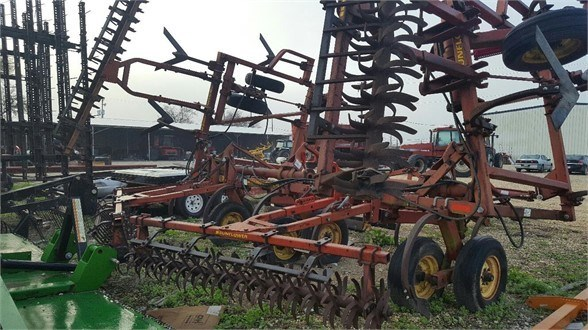 2003 Sunflower 5033-32 Field Cultivator For Sale