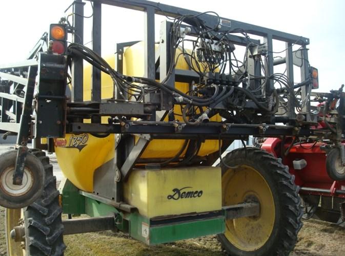 2010 Demco 1250 Sprayer-Pull Type For Sale