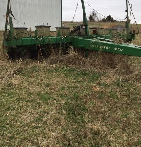 1984 John Deere 7000 Planter For Sale