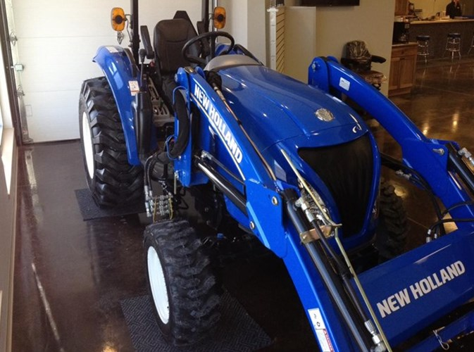 2015 New Holland BOOMER 37 Tractor For Sale