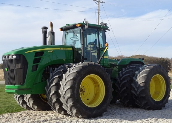 2009 John Deere 9530 Tractor - 4WD For Sale