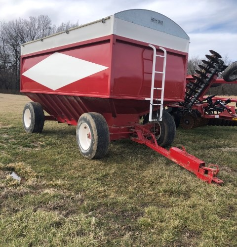 Crysteel Manufacturing Inc.  Grain Cart For Sale