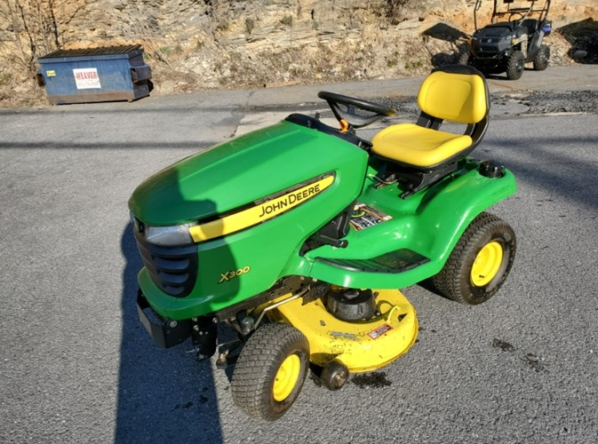 2006 John Deere X300 Riding Mower For Sale