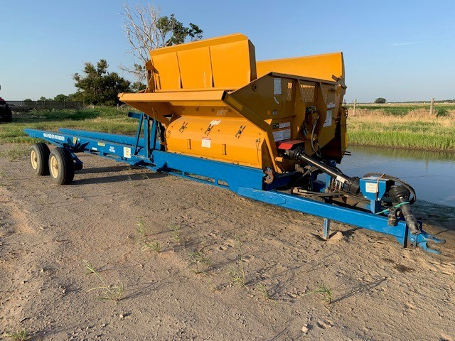 Haybuster 2100 Bale Processor For Sale