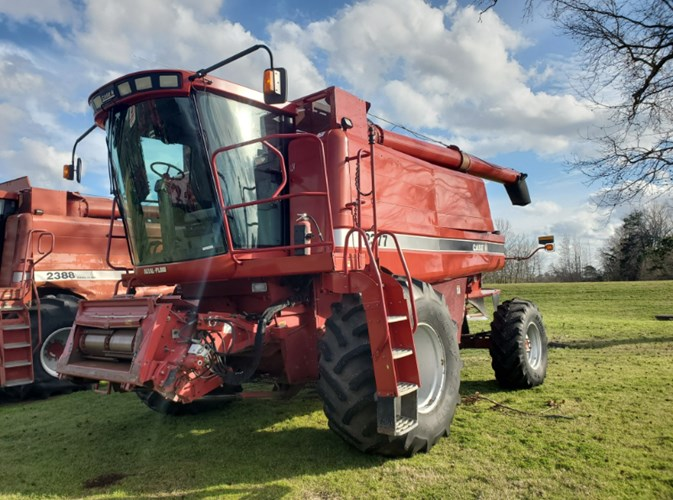 2005 Case IH 2377 Combine For Sale