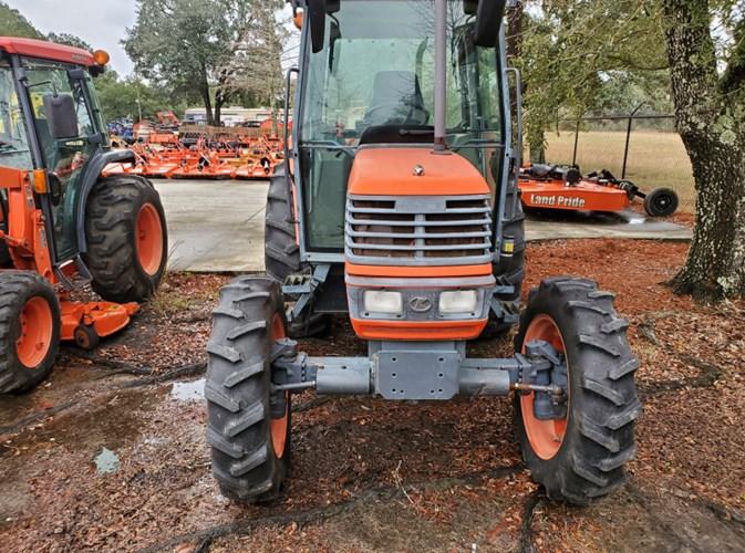 2004 Kubota M6800 HDC-3 Tractor For Sale