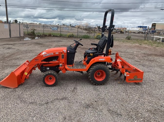 Kubota BX2670HST Tractor For Sale