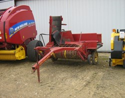 Hay Merger For Sale: New Holland 166