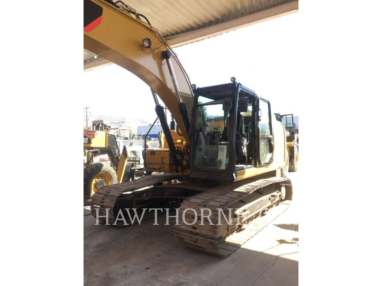 2016 Caterpillar 323F Image 1