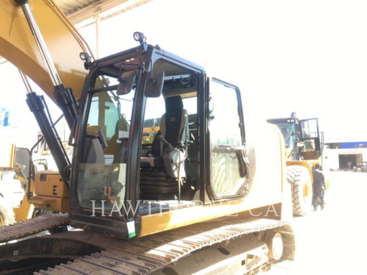 2016 Caterpillar 323F Image 3