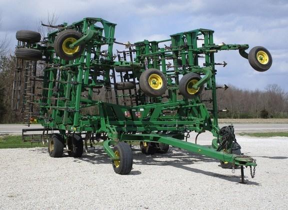 2009 John Deere 2210 Field Cultivator For Sale