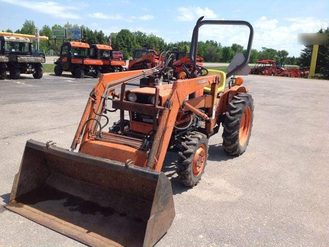 1984 Kubota L235DT Tractor For Sale