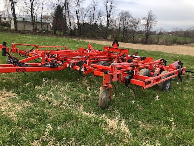 Krause 5635 Field Cultivator For Sale
