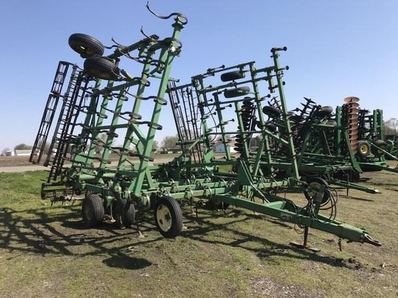 1997 John Deere 980 Field Cultivator For Sale